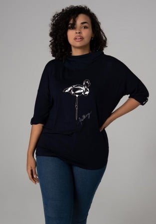 Czarna bluza plus size z flamingiem