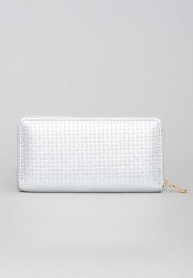 Biały portfel z kraciastą fakturą