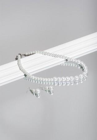 Elegancki naszyjnik w kolorze perłowym
