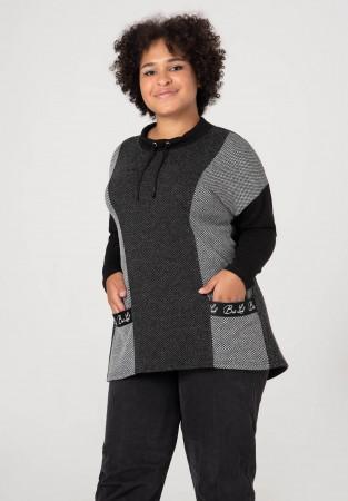 Stylowy sweter XXL w ciemnych barwach