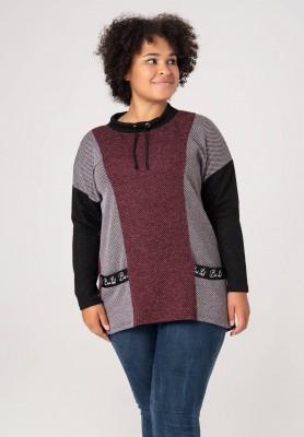 Oryginalny sweter  w dużym rozmiarze