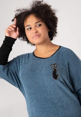 Błękitny sweter plus size